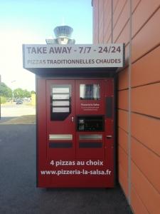 Distributeur de pizzas.